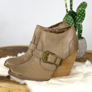 Very Volatile Tan Western Wedge Ankle Boots Size 8